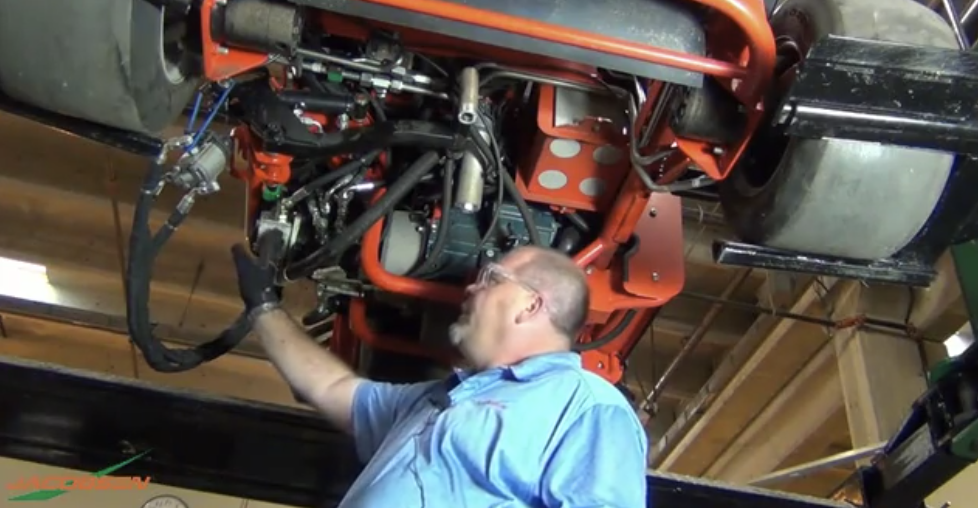 Los motores diésel Common Rail, híbridos y 100% eléctricos permiten ahorros en el consumo, reducción de ruidos y menor contaminación en las máquinas que mantienen el césped profesional